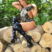Nikki Sims Camo Wood 228