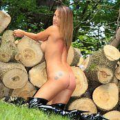 Nikki Sims Camo Wood 284