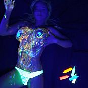 Nikki Sims Blacklight Bodypaint HD Video 08252017 wmv