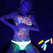 Nikki Sims Blacklight Bodypaint HD Video