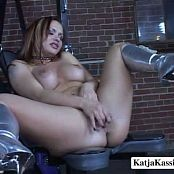 Katja Kassin Fetish Chair new 230817 avi