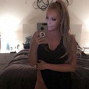 Kalee Carroll OnlyFans No panties Pics 1