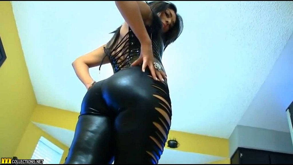 latina in tight pants