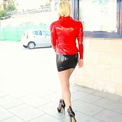 Lara Larsen Sightseeing in Latex 2016 HD Video 260917 mp4