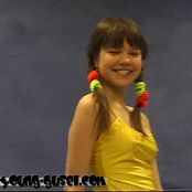 Young Gusel Yellow Dream Video 011017 mp4