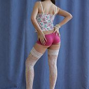 Silver Jewels Sarah White Stockings Picture Set 4