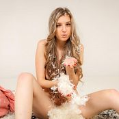 TeenMarvel Chloe Feathers 470