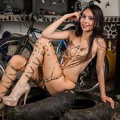 Ximena Model Golden Girl TM4B Set 013 016