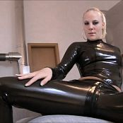 Lara CumKitten Lick your mistress LATEX clean 261217 mp4