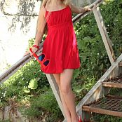 Silver Jewels Alice Red Dress Picture Set 1