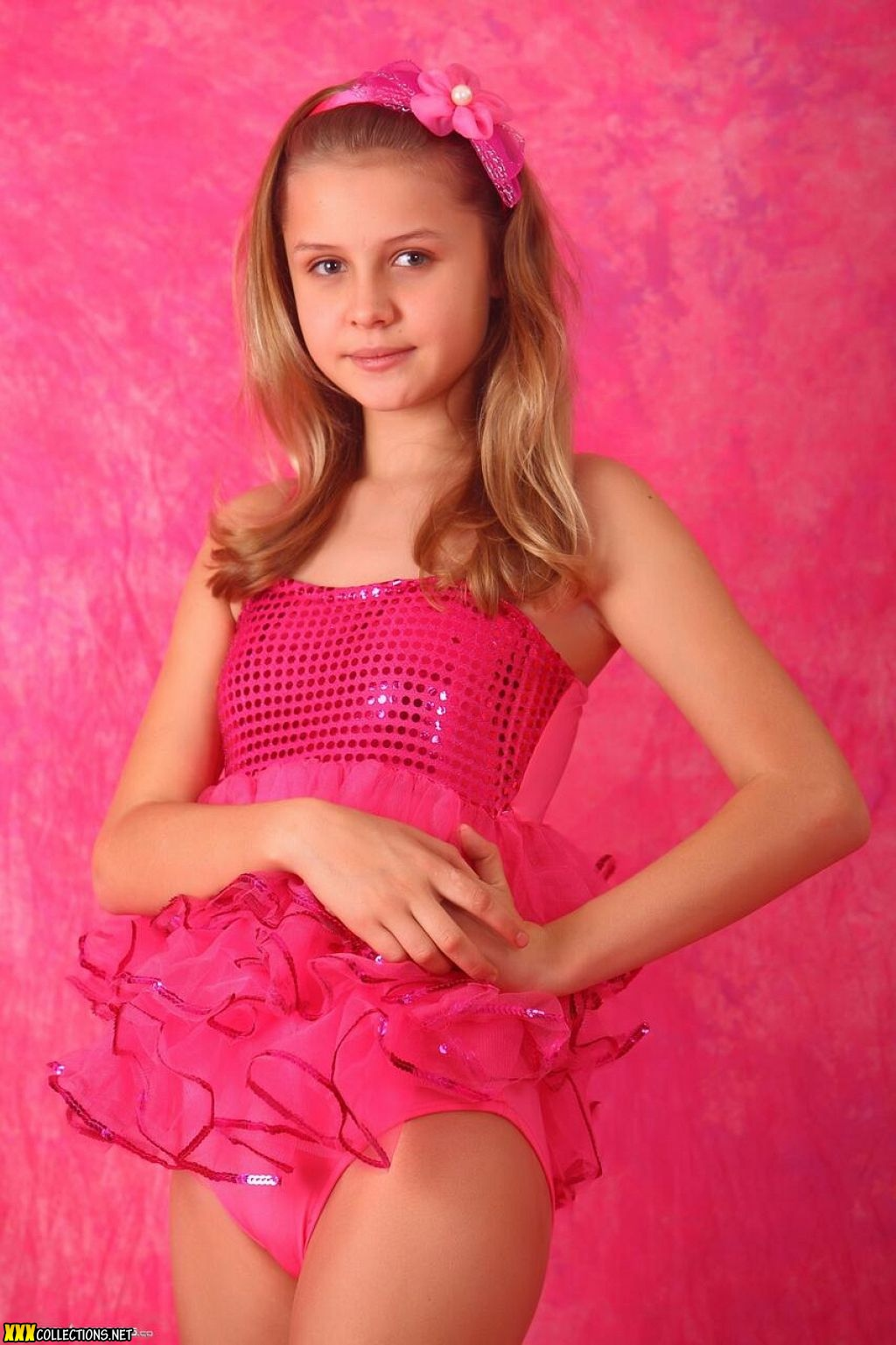 Peachez Teen Model Picture Sets Pack Download: Silver Stars Mika Dance Costume Picture Set 1 Download