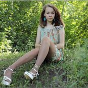 TeenModelingTV Madison Paisley Outdoor Picture Set