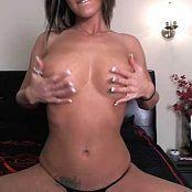 Nikki Sims Sexy Boobs Fun from nikki111411 270118 mp4