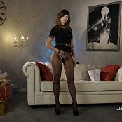 Jeny Smith Pantyhose Review HD Video 060418 mp4