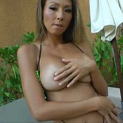 KTSo Green Bikini Striptease HD Video 060418 mp4