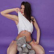 Linda Model HD Video 002 060618 avi