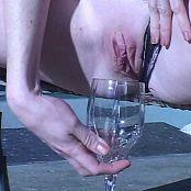 audrey hollander drinking piss 260518 avi