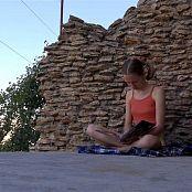 Petal Stone HD Video 330 280618 mp4