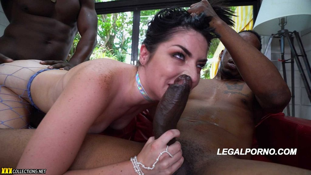 Sexy cock sucking