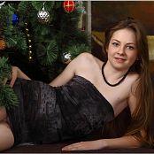 TeenModelingTV Bella Christmas 2013 Picture Set