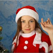 TeenModelingTV Bella Santa Dress Picture Set