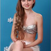 TeenModelingTV Bella Winter Vinyl Picture Set
