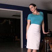 Goddess Alexandra Snow Cum Before the Cage HD Video 230918 mp4