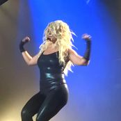 Britney Spears Do Something live in Vegas on 5 10 2014 1080p 071018 mp4