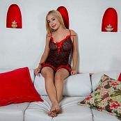 Azly Model Red and Black Lingerie Set 001 050