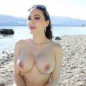 Katie Banks Naked Beach Picture Set