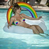 Jessica Nigri Patreon Rainbow Tracer 002