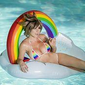 Jessica Nigri Patreon Rainbow Tracer 004