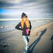 Madden Beach Babes Picture Set