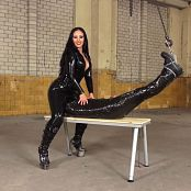 Kinky Mistresses Used In Clingfilm By Mistress Ezada 090119 mp4