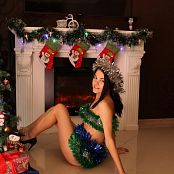 Hanna World Anika Christmas Gift Picture Set & HD Video