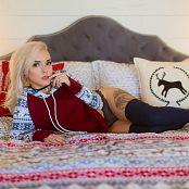 Darshelle Stevens Winter Sweater Picture Set