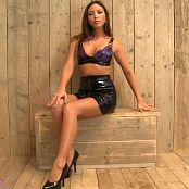 Natalia Forrest Black and Purple Latex JOI Video 300319 mp4